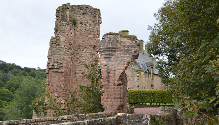 About Rosslyn Castle